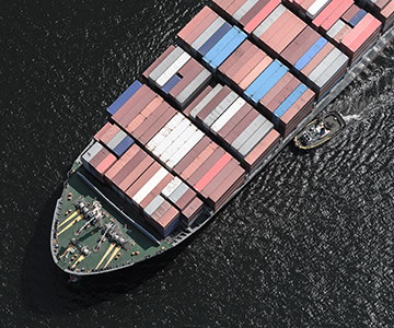ocean freight with containers