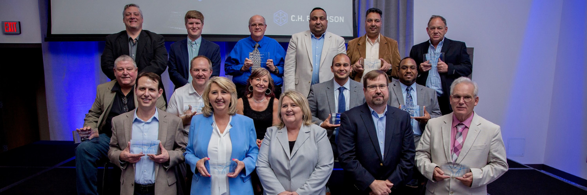 Group photo of the 2018 C.H. Robinson Contract Carrier of the Year Award winners.